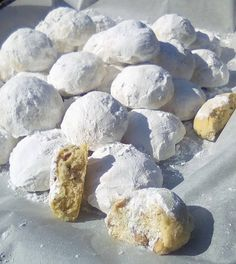 Greek Sweets, Greek Desserts, Greek Recipes, Cake Mix Cookie Recipes, Cake Mix Cookies, Food Network Recipes, Cooking Recipes, Greek Cookies, Vegan Carrot Cakes