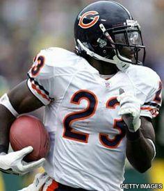 My favorite player. Bears Football, Football Helmets, Devin Hester, Little League Baseball, Best Player, Chicago Bears, Writing Services, Athlete, Sports