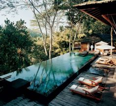 super rad infinity pool. i want this in my dream mountain home.