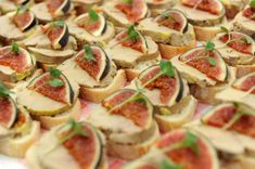 Recipe for foie gras and fresh fig toast Toast Foie Gras, Fresh Figs, Pasta Salad, Potato Salad, Catering, Buffet, Brunch, Desserts Faciles, Dinner