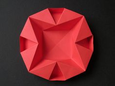 Piatto per Natale - Dish for Christmas. Origami, from a sheet of copy paper, 21 x 21 cm. Designed and folded by Francesco Guarnieri, July 2013. Instructions, CP: http://flic.kr/p/fcyhNa