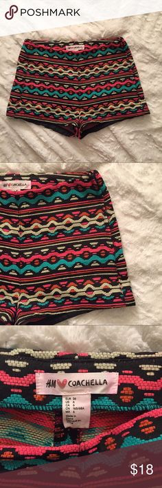 H&M Coachella aztec high rise festival shorts Beautiful aztec stitch high rise side zip festival shorts from the Coachella line at H&M. In excellent condition! Pair with your favorite crop top or bodysuit and sandals for any upcoming spring or summer event H&M Shorts