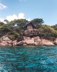 What It's Like Staying on Mumbo Island in Malawi Gorilla Trekking, Desert Island, Boat Tours, Africa Travel, Tanzania, Kenya, What Is Like, Kayaking, Travel Destinations