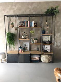 Interior Design Living Room, Living Room Designs, Interior Decorating, Coffee Table Design, Home Decor Furniture, Furniture Design, Home Living Room, Living Room Decor, Blue Accent Walls