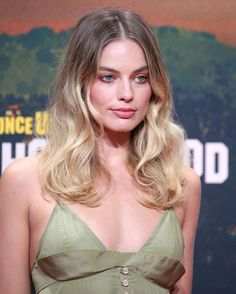 Margot Robbie at the Berlin premiere of 'Once Upon a Time in Hollywood'; Atriz Margot Robbie, Margot Elise Robbie, Margo Robbie, Actress Margot Robbie, Margot Robbie Harley Quinn, Charlotte Casiraghi, Margot Robbie Pictures, Role Models, Beautiful People