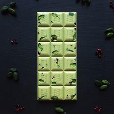 98 отметок «Нравится», 5 комментариев — Дизайнерский шоколад (@la_la_chokola) в Instagram: «Без красителей! Только белый шоколад и паста фисташки! Стильный европейский дизайн, самая лучшая в…»