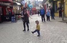 Georgia, a two-year-old girl in Galway, did just that in a chance encounter with Irish dancer Emma O'Sullivan, who was entertaining the midday crowds on Galway's Shop Street in September. Irish Step Dancing, Irish Dance, Dance News, Dance Videos, Partner Dance, Irish Girls, Cute Toddlers, Two Year Olds, Funny Clips