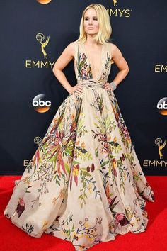 Kristen Bell taking our breath away at the Emmy Awards in her vibrant, floral printed gown.