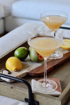 Pear Vodka Martini, Gin Martini Recipe, Best Martini Recipes, Cointreau Cocktails, Pear Martini Recipe Grey Goose, Elderflower Martini, Fruity Alcohol Drinks, Alcohol Drink Recipes, Yummy Drinks