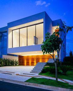CASA GUAIUME by 24.7 Arquitetura.  #SaoPaulo  #Brazil  www.facebook.com/amazingarchitecture ✔️ #amazingarchitecture  #architecture  Telegram.me/amazingarchitecture ✔️ #design  #contemporary  #architecten #nofilter #architect #arquitectura  #iphoneonly #instaarchitecture #love #Architektur  #architecture  #architettura #concept  #interiordesign  #photooftheday  #luxury  #instatravel #travel #instagood #architect  #instamood #archimodel  #アーキテクチャ  #Ākitekucha  #معماری  #Archilovers  #建築…