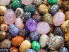 Gyógyító kristályok Easter Eggs, Jewels, Texture, Karma, Beadwork, Rocks, Lifestyle, Health, Google