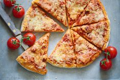 Pizza aux 3 fromages | Recettes d'ici Food Porn, Cheese, Pizza, Yummy Recipes, Cooker Recipes, Treats