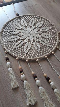 Doily Dream Catchers, Dream Catcher Decor, Dream Catcher Boho, Crochet Dreamcatcher Pattern Free, Macrame Patterns, Crochet Wall Art, Crochet Wall Hangings, Crochet Rings, Love Crochet