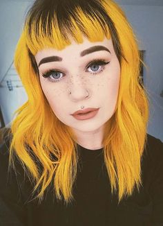 The most beautiful trends and shades of yellow hair colors and hairstyles with bangs. This is one of the vibrant and bold hair colors. You may use to wear this fantastic hair colors for modern… Yellow Hair Color, Vivid Hair Color, Hair Colours, Hairstyles With Bangs, Summer Hairstyles, Cool Hairstyles, Haircuts, Hair Inspo, Hair Inspiration