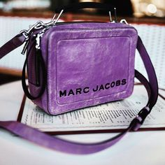 Bauchle Fashion: Exclusive First Look: Marc Jacobs Box Bag Collection Structured Handbags, Box Bag, Distressed Leather, The Chic, Summer Girls, Color Pop, Marc Jacobs, Lunch Box, Mini Bags
