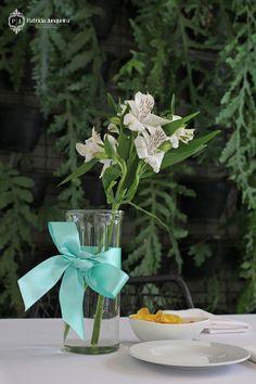 Flores e Decoração Festa de Aniversario de 60 Anos tema Tiffany by Patricia Junqueira. www.patriciajunqueira.com.br