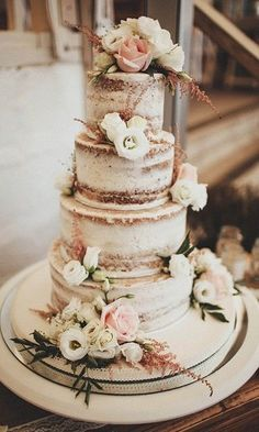 36 Rustic Wedding Cakes We Love #OctoberWeddingIdeas