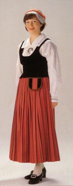 Vuorelma.net - Itä-Häme (Hartola) - Itä-Häme (Hartola) European Costumes, Joko, Folk Costume, Cosplay, Vintage, Folklore, Finland, Dresses, Jewellery