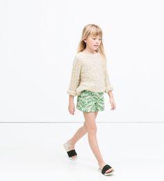 Jacquard leaf pattern shorts