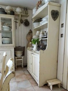 chippy white kitchen