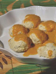 Cocinando con Kisa: Albóndigas de pollo en salsa en Varoma {thermomix}