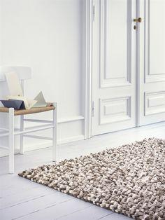 Alfombra de lana CRUSH, de la colección LD Selected de Linie Design, tejida a mano. Distintos colores y medidas.