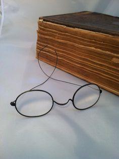 Antique Eye Glasses Oval Windsor Reading Glasses Edwardian Spectacles Steampunk