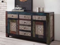 Mit dem Modell Goa von Wolf Möbel bringen Sie Farbe und Lebendigkeit in Ihre vier Wände. Das massive Mango- und Akazienholz mit Metallapplikationen ist ein echter Hingucker.