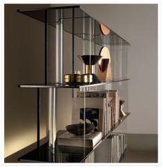 Inori Fiam, design Setsu & Shinobu Ito. Sistema modulare composto da elementi in vetro e in legno laccato. Richiedi info su DCstore