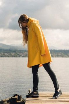 Raincoats For Women Yellow Raincoat Outfit, Raincoat Jacket, Yellow Raincoat, Hooded Raincoat, Raincoats For Women, Jackets For Women, Yellow Rain Jacket, Yellow Jackets, Yellow Coat