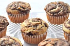 Peanut Butter Banana Muffins with Nutella Swirl. Makes 12 quite large muffins. Next time blend Nutella through whole muffin. Dessert Cake Recipes, Homemade Cake Recipes, Cheesecake Recipes, Cupcake Recipes, Nutella Muffins, Banana Oat Muffins, Breakfast Muffins, Kid Muffins, Breakfast Recipes