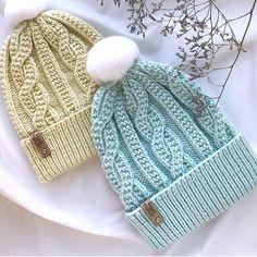 Шапочки с необычными косами от мастера Анны @a.chikirda Loom Knitting, Free Knitting, Baby Knitting, Knitting Patterns, Crochet Patterns, Crochet Shawl, Crochet Baby, Knit Crochet, How To Start Knitting