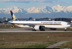 Singapore Airlines Boeing 777-312/ER @MXP