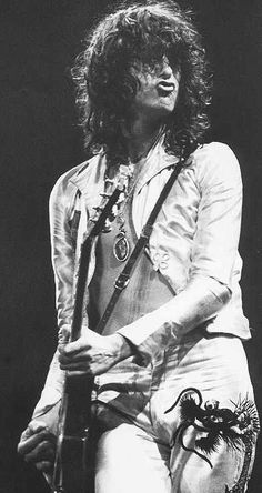 Jimmy Page - Led Zeppelin Jimmy Page, Rock N Roll, Pop Rock, Robert Plant, Historia Do Rock, John Bonham, Duck Face, Best Rock, Music Icon
