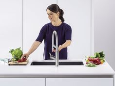 We've all been there: both hands full while cooking, and nearly dropping everything trying to turn the tap on.  That's where the Blanco Senso comes in. This smart tap has intelligent sensors that can turn the water flow on and off as if by magic, making food preparation and cooking easier than ever!  Take a look for yourself – once you've seen it you'll wonder how you ever lived without it!