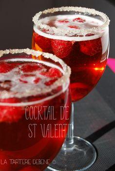 Pour une fois je suis un peu en avance mais qu'importe ! Les cocktails y'en a pour tous les goûts, des sucrés, des à bulles, des fruités, des corsés…..bref chacun peut y trouver s…