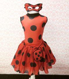 fantasia da Ladybug saia e colan sem manga.  tamanhos 2,4,6,8,10  INCLUI MÁSCARA E TALISMÃ.
