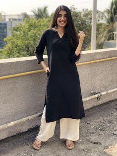 Black organic kurta the indian ethnic co. Pakistani Fashion Casual, Pakistani Dresses Casual, Indian Fashion Dresses, Dress Indian Style, Indian Designer Outfits, Fashion Outfits, Fashion Styles, Indian Wear, Women's Fashion