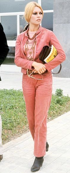 Miss Brigitte Bardot Brigitte Bardot, Bridget Bardot, 70s Fashion, Fashion Models, Marlene Dietrich, Divas, French Actress, The Bikini, Mode Vintage