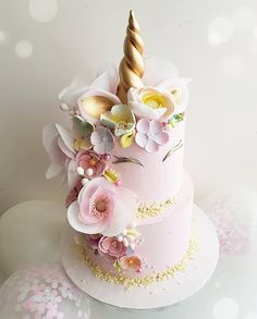 Pear cake with chocolate sauce - HQ Recipes Unicorn Themed Birthday, Birthday Cake, Beautiful Cakes, Amazing Cakes, Pear Cake, Novelty Cakes, Savoury Cake, Cute Cakes, Creative Cakes