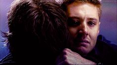 """Sam dying in Dean's arms.   Community Post: 10 Times """"Supernatural"""" Made You Sob Like A Small Child"""