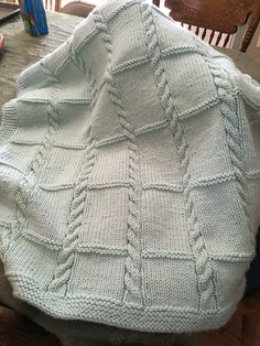 Crochet baby blanket 558516791291224846 - Babydecke – Baby Zimmer : Babydecke – Baby Zimmer Source by karentruscelli Baby Afghans, Knitted Afghans, Knitted Baby Blankets, Baby Blanket Crochet, Crochet Baby, Cable Knit Blankets, Baby Knitting Patterns, Baby Patterns, Baby Blanket Knitting Pattern Free