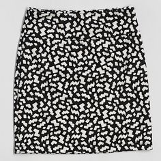 COMING SOON - Silence & Noise Bodycon Skirt This super cute skirt is in like new condition! Urban Outfitters Skirts Mini