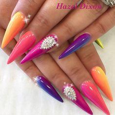 Rainbow adorables by @hazeldixon .  #nailsthatslay #nailsgram #nailstagram #nailartdesigns #nailart #cutenails #nailsoftheday #rainbow #rainbownails #nails #prettynails #georgeousnails #beauties #colormix #ombrenails #ombre #colormixnails #PASSIONATENAILTECHS #PASSION4NAILART #P4NA