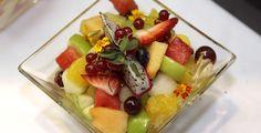 Obstsalat mit Joghurtsoße - Rezept-Tipp - Keine Lust auf eine schwere Mahlzeit? Die TK kennt ein Rezept für leckeren Obstsalat.
