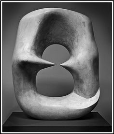 Henry Moore ◢▇◣◥▇▇◤◢▇◣