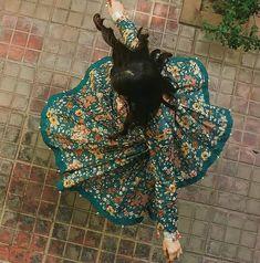 """"""" يوماً ما ، ستأتي سعادتي أضعاف ما أمرّ به الآن ، وستبقى هذه الأيام مجرد ذكرى تافهة """" Stylish Photo Pose, Stylish Girls Photos, Stylish Girl Pic, Teen Photography Poses, Teenage Girl Photography, Cute Girl Poses, Girl Photo Poses, Girl Hiding Face, Indian Photoshoot"""