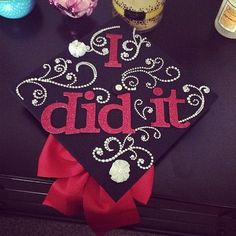 Check out these Top 12 creative ways to decorate your graduation cap below. Your graduation cap is the place to express yourself. Nursing School Graduation, Graduation Diy, Graduation Photos, Graduation Balloons, Grad Pics, Graduate School, Graduation Cap Designs, Graduation Cap Decoration, Grad Hat