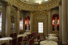 Uno de los salones del Caffè San Carlo, cafés históricos de Turín