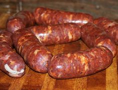 How To Make Homemade Italian Sausages Step By Step – Italian Food Forever Homemade Italian Sausage, Homemade Sausage Recipes, Italian Sausage Recipes, Italian Sausages, Pork Recipes, Cooking Recipes, How To Make Sausage, Sausage Making, Home Made Sausage